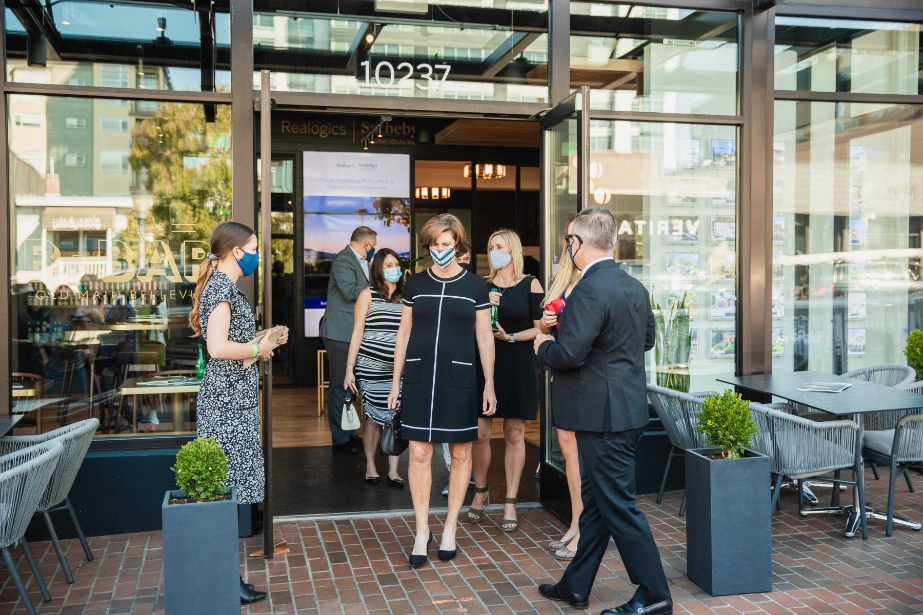 20201002-RSIR_Bellvue-Office-B-Bar-Opening-41