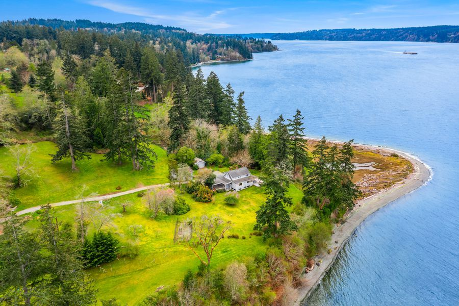 Rare-Opportunity-to-Own-an-Entire-Point-on-Vashon-Island-2