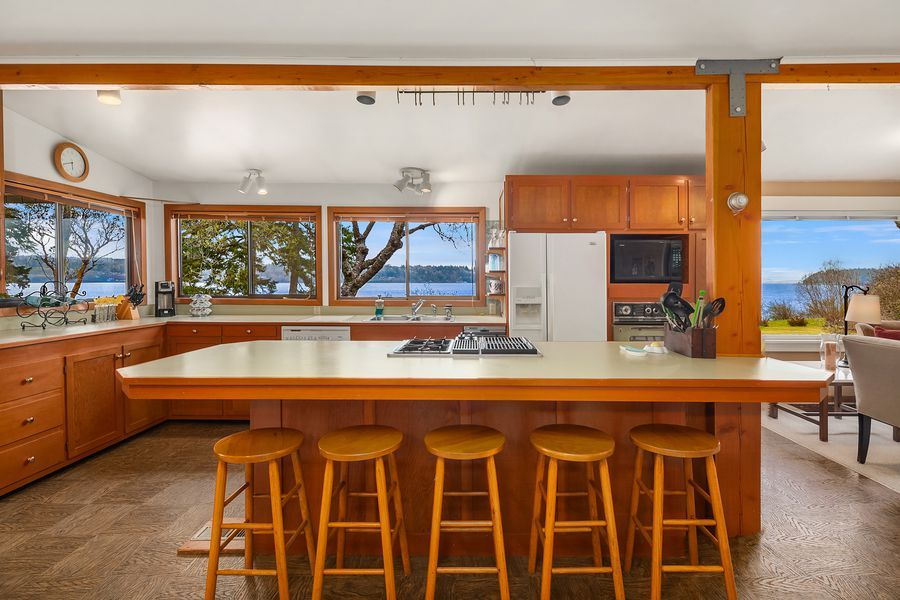 Rare-Opportunity-to-Own-an-Entire-Point-on-Vashon-Island-4