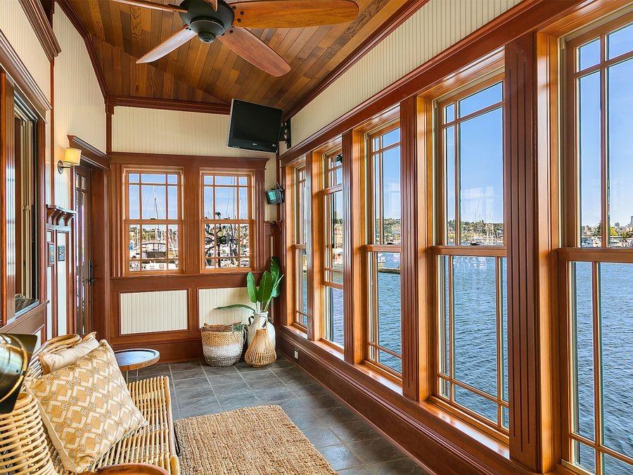 Aurora-Houseboat-4