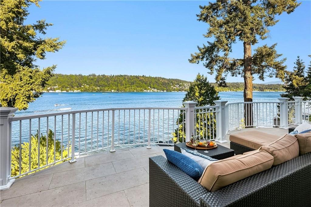 <h5><b>Lake Sammamish, Redmond | $5,380,000</b></h5>