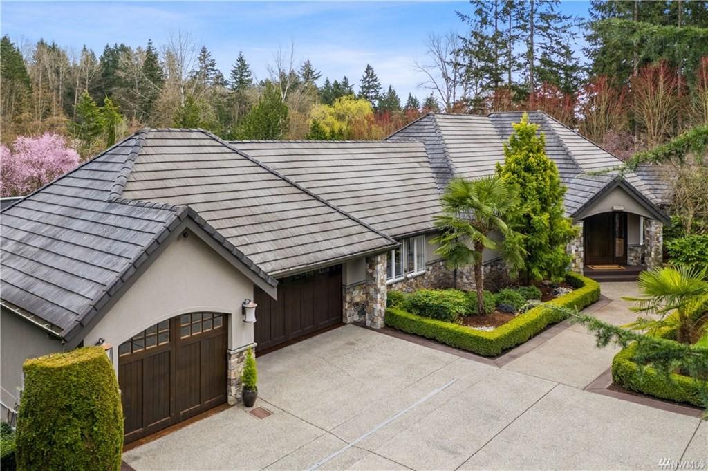 <h5><b>Bridle Trails, Bellevue | $4,400,000</b></h5>