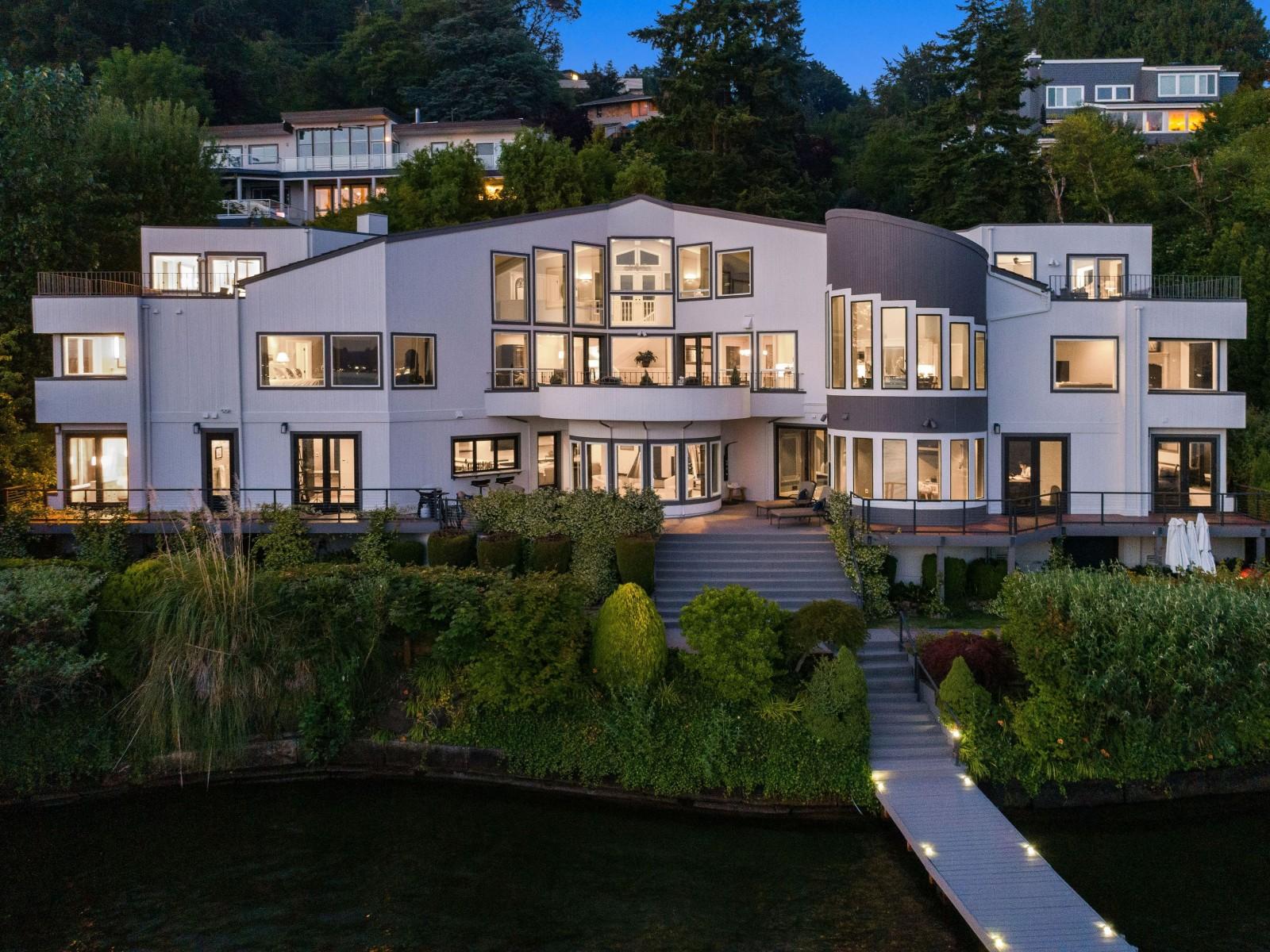 <h5><b>Mercer Island | $10,300,000</b></h5>