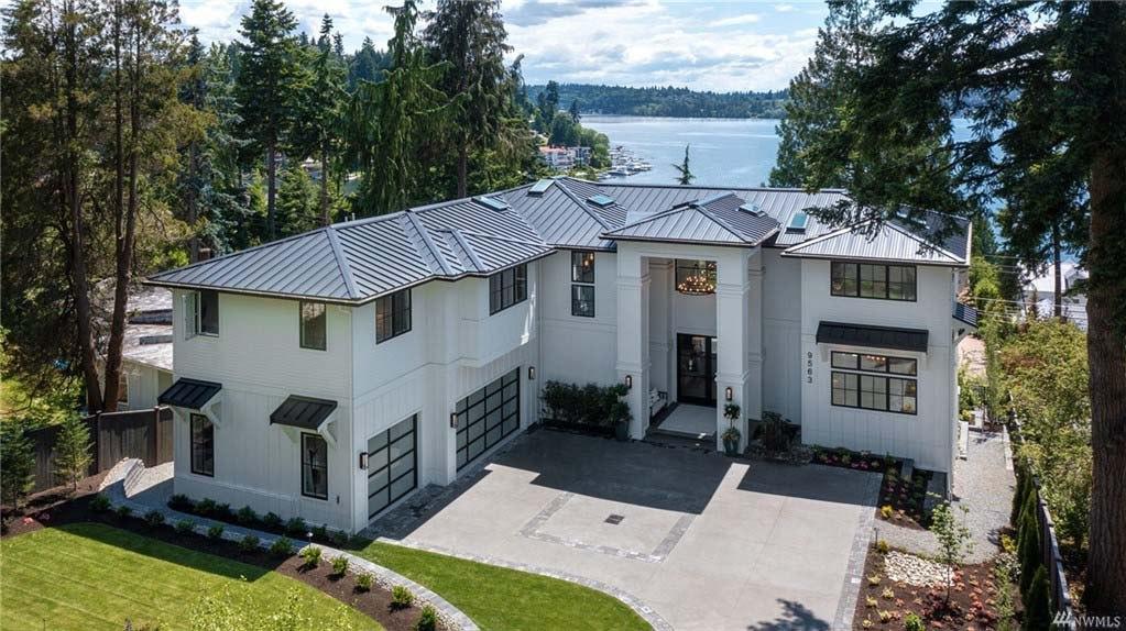 <h5><b>Meydenbauer, Bellevue | $9,800,000</b></h5>