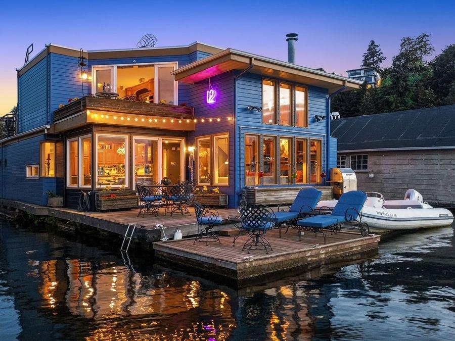 The-Hawks-Nest-on-Lake-Union-2